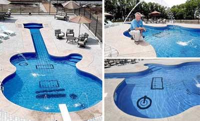 Kolam berbentuk Gitar
