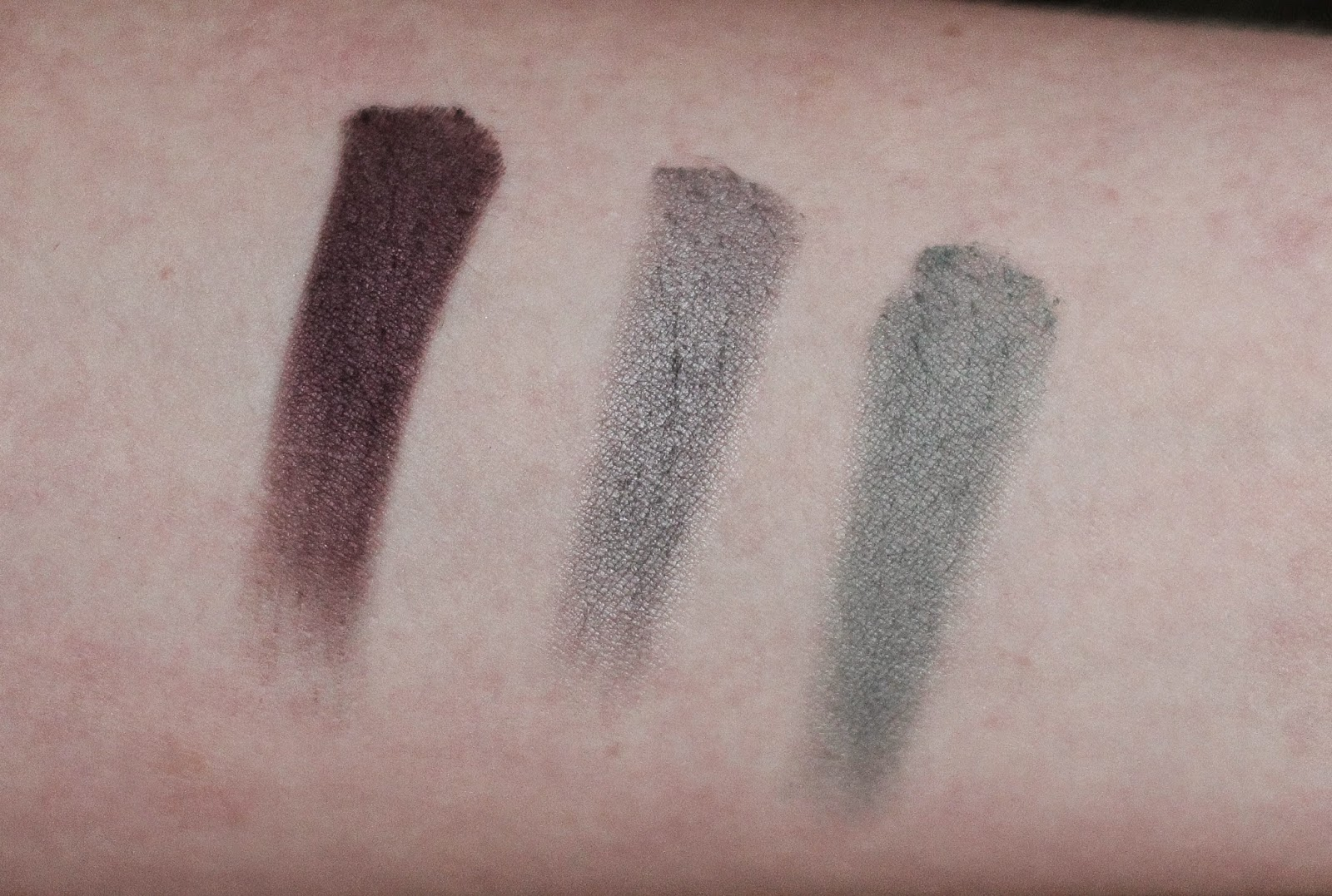 swatches catrice velvet matt eyeshadow  al burgundy  welcome to greysland   moss wanted colour