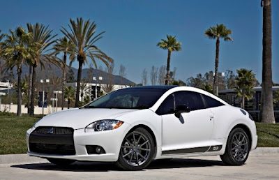 2012-Mitsubishi-Eclipse-SE-Side-and-Front-View