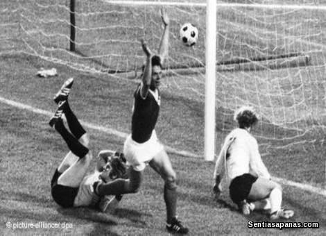 Jerman Timur 1 Jerman Barat 0 (1974)