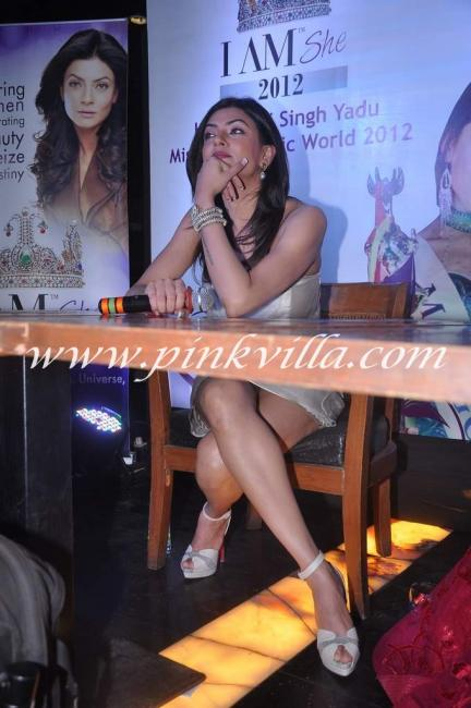 Great save! She crosses her legs to hide her goods!  - (3) -  Sushmita Sen's @ I Am She Press Conference- HOT PICS