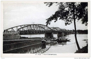 Old Photo Hue Bridge