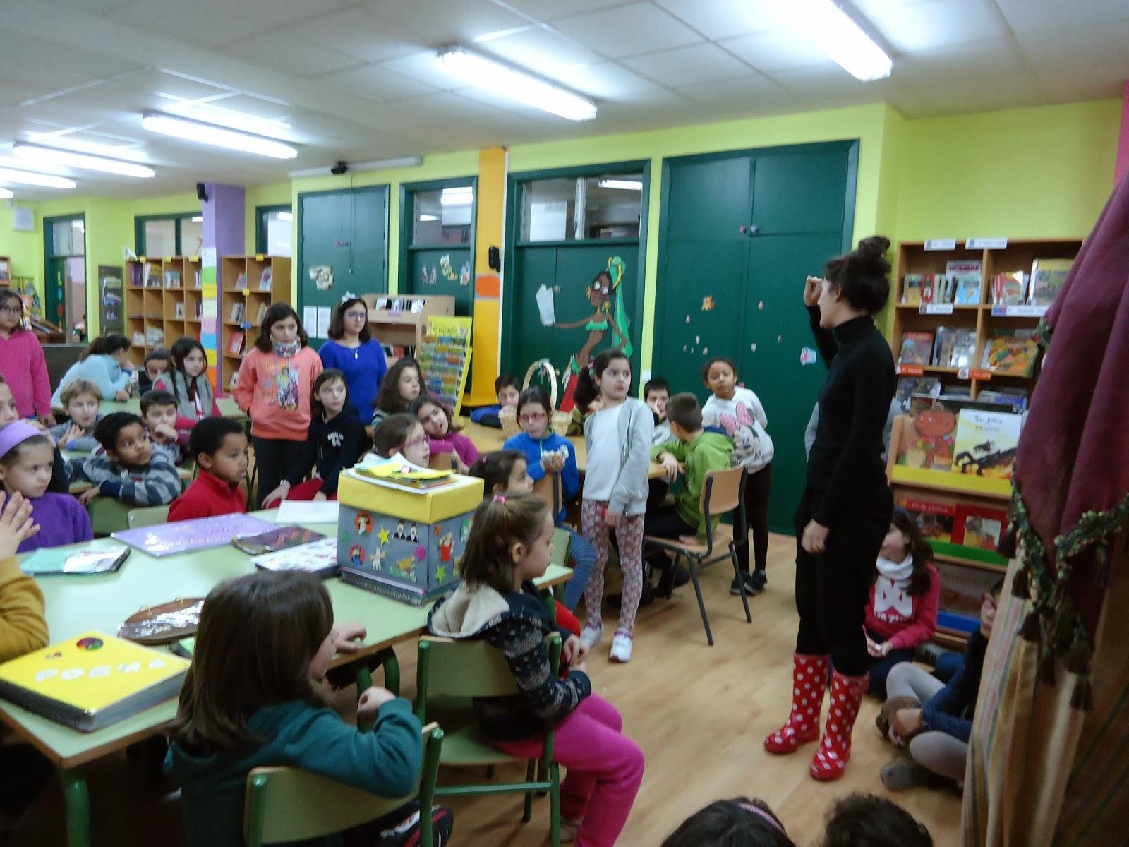 http://bibliotecadochouzo.blogspot.com.es/2014/02/taller-de-literatura-creativa.html