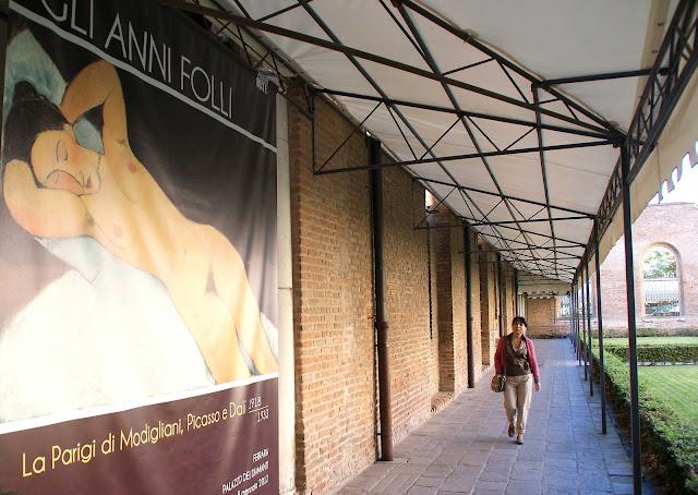 Exposición-Gli-Anni-Folli-Palazzo-dei-Diamanti-Ferrara-Italia