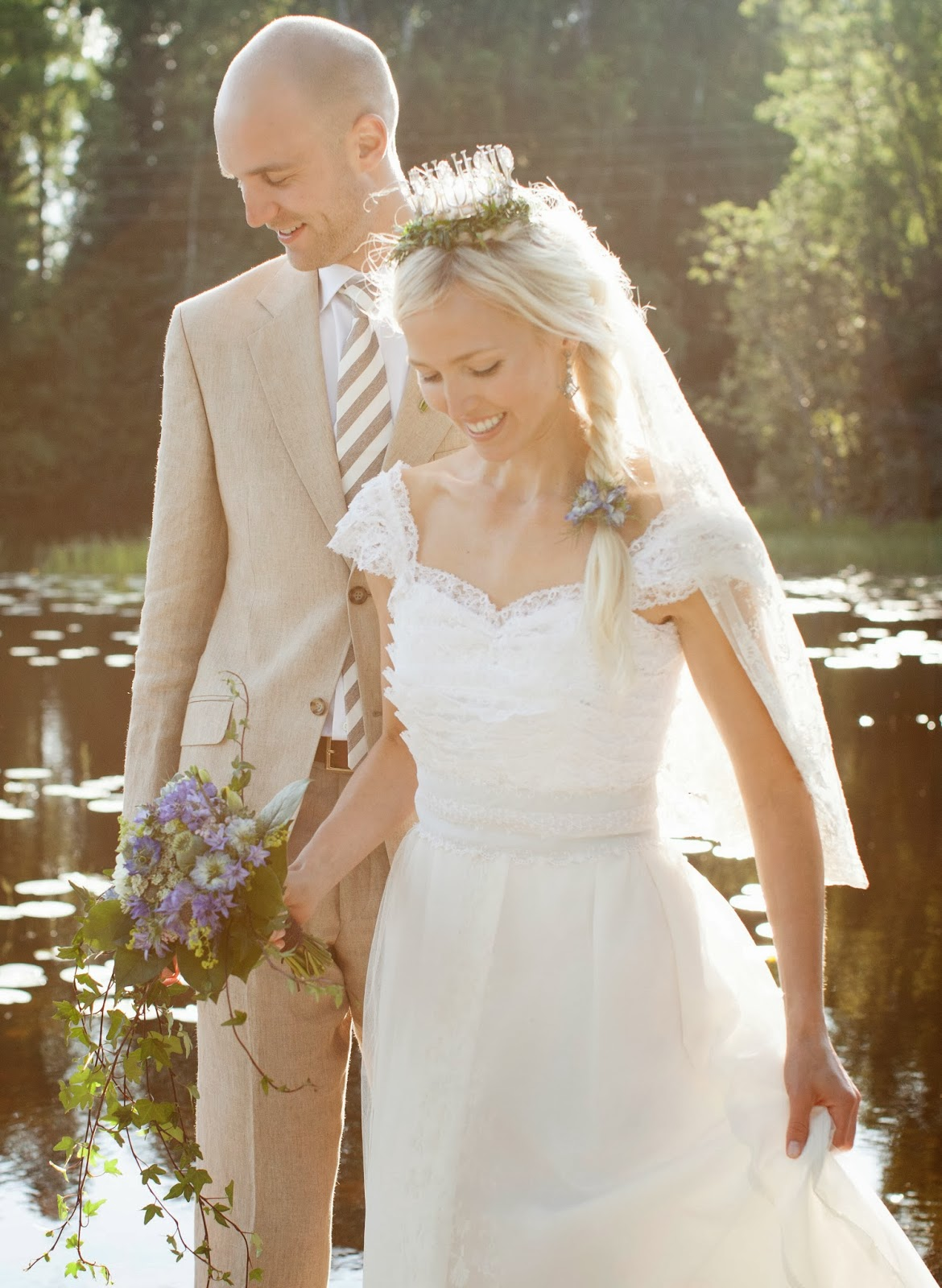Vintage Bride of the Week: Stephanie in 1960s lace and ...