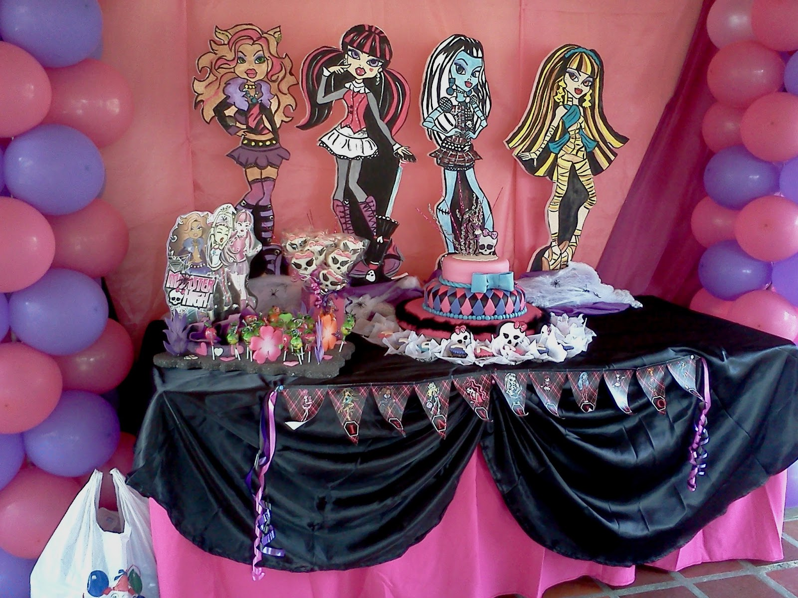 INVERSIONES EVENTSYS CA.: UNA CELEBRACIÓN MONSTER HIGH POR ...