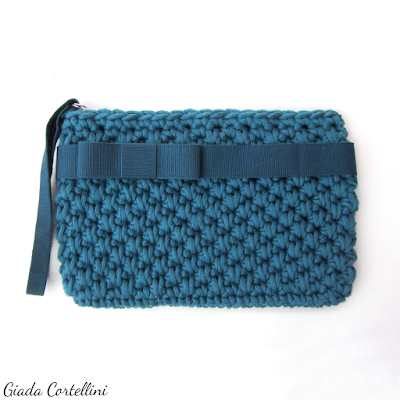 https://www.etsy.com/listing/248129427/crochet-wristlet-clutch-bagelegant?ref=shop_home_feat_2