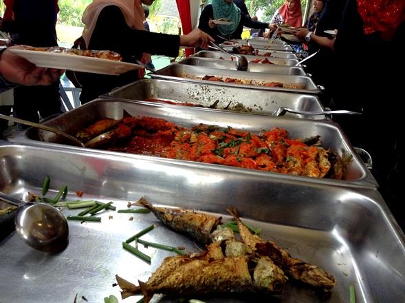 tempahan catering dan tempat-tempat lokasi restoran masakan melayu oriental dan kampung yang sedap dan terbaik di sekitar dengkil jenderam hilir miat mara kajang cyberjaya putrajaya,