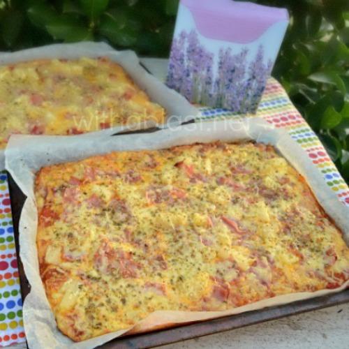 Lazy Cook's Hawaiian Pizza