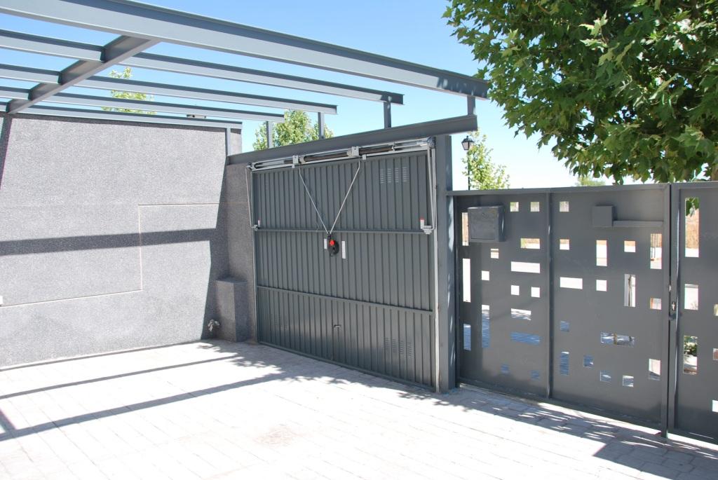 Evoluci n del exterior en la promoci n de sese a - Proyecto puerta de garaje ...