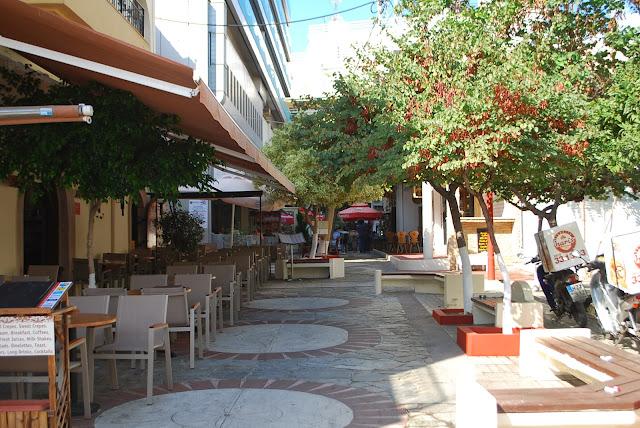 Кафе на улицах Ираклиона
