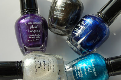 the Kleancolor metallic nail polishes used for making a ring and a necklace, pieces of jewellery made from Kleancolor metallic Black, Metallic Purple, Metallic Aqua, Metallic Sapphire, Metallic White