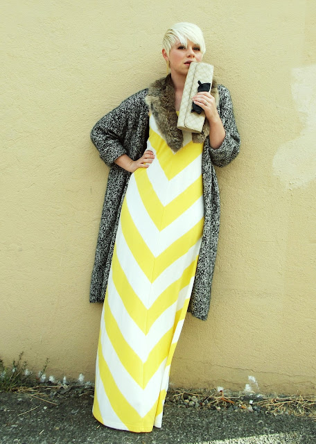 seattle street style, blonde, summer, fashion, maxi dress, fleur d'elise, pixie cut