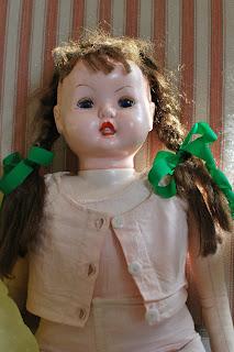 Muonamihen mökki - 50-luvun nuken liivi