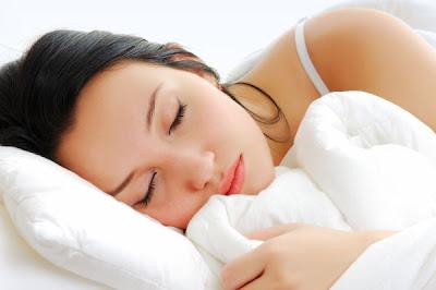 Manfaat Tidur Tanpa Pakaian Dalam (for ladies)