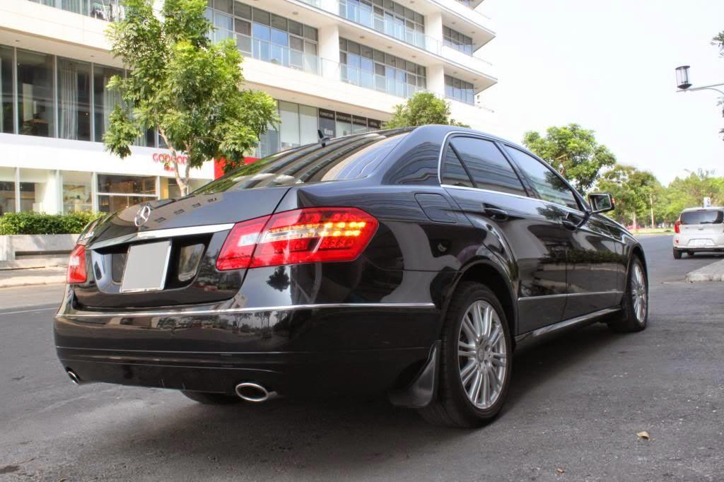Cho thuê xe Mercedes E300 giá rẻ tại Hà Nội 1
