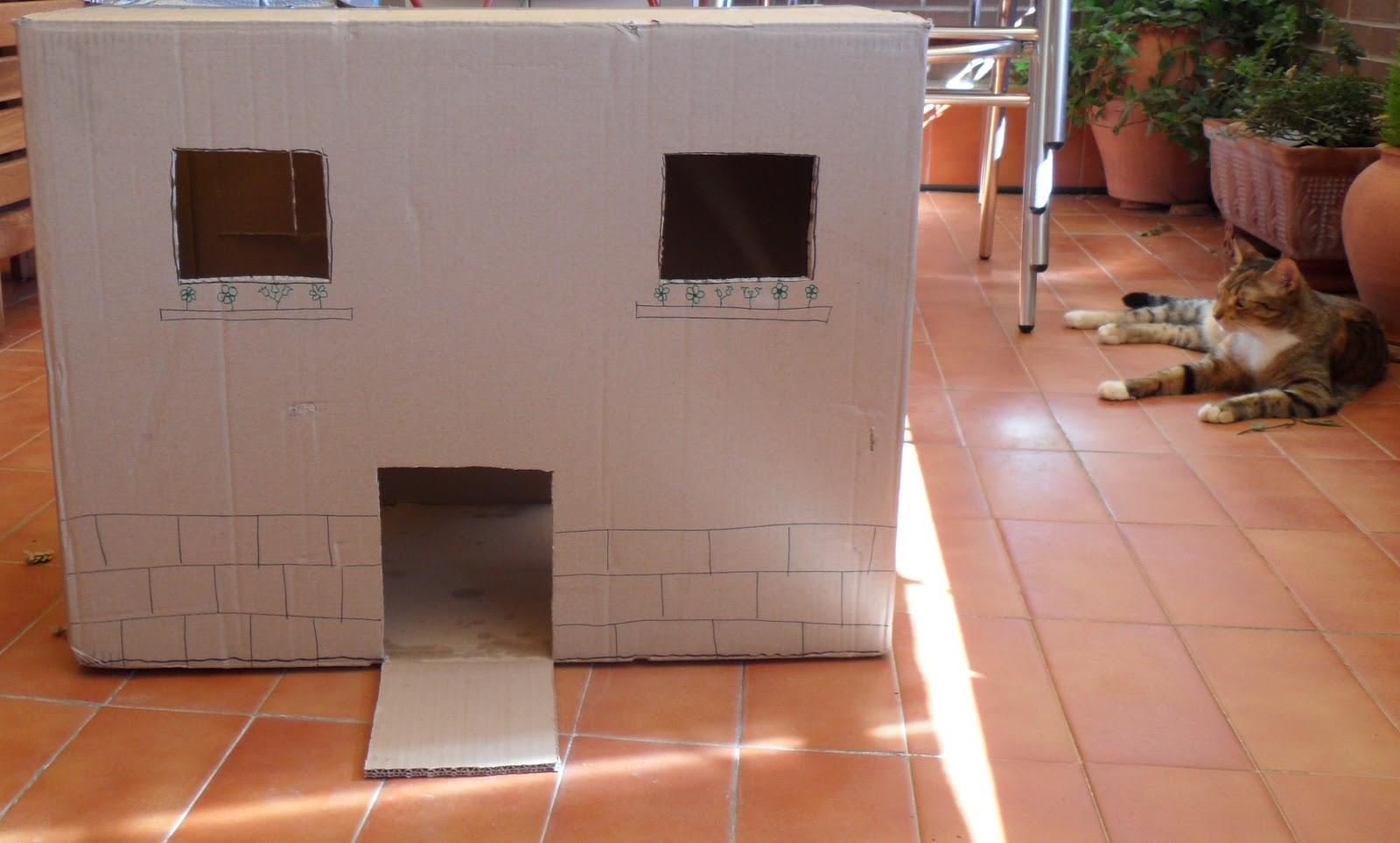 Gatos y gatunos erase una vez una caja de cart n en una for Como se disena una casa