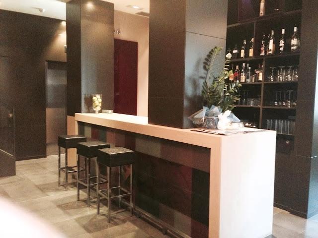 hotel_aroi_ponferrada_gisela_lopez_ordoñez_missdownpour_cafeteria_lobby