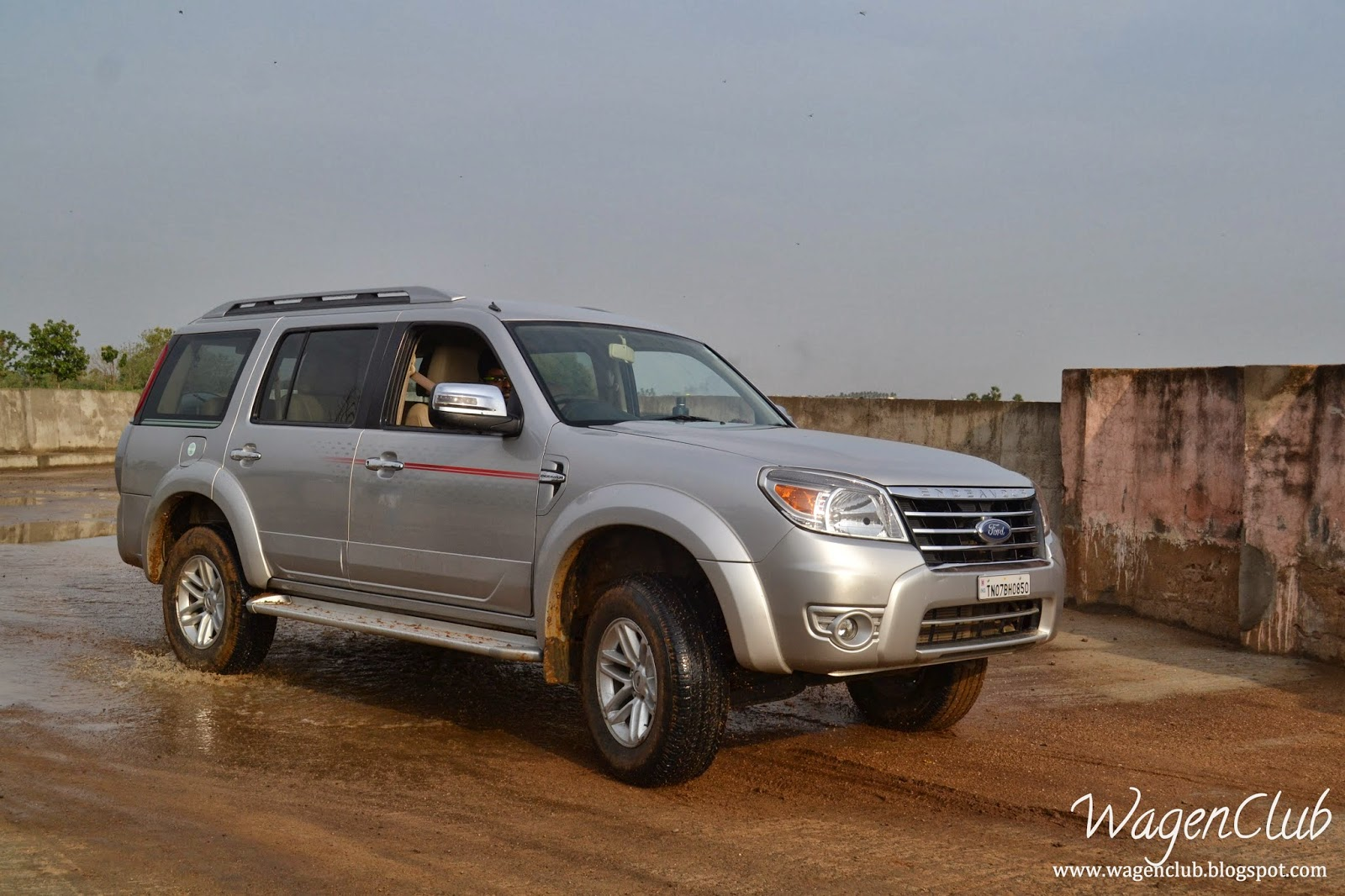 photo gallery - ford endeavour 3 0l at 4x4