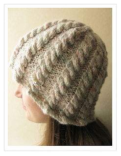 Handspun star hat by Littletheorem. Quick knit for handspun yarn cables buttons