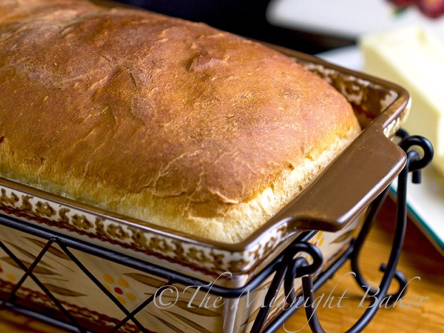 Amish White Bread #KingsHawaiianRolls #YeastBreads #WhiteBread