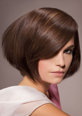 Glam Medium Layered Haircut Ideas for Fall-by James Parrucchieri