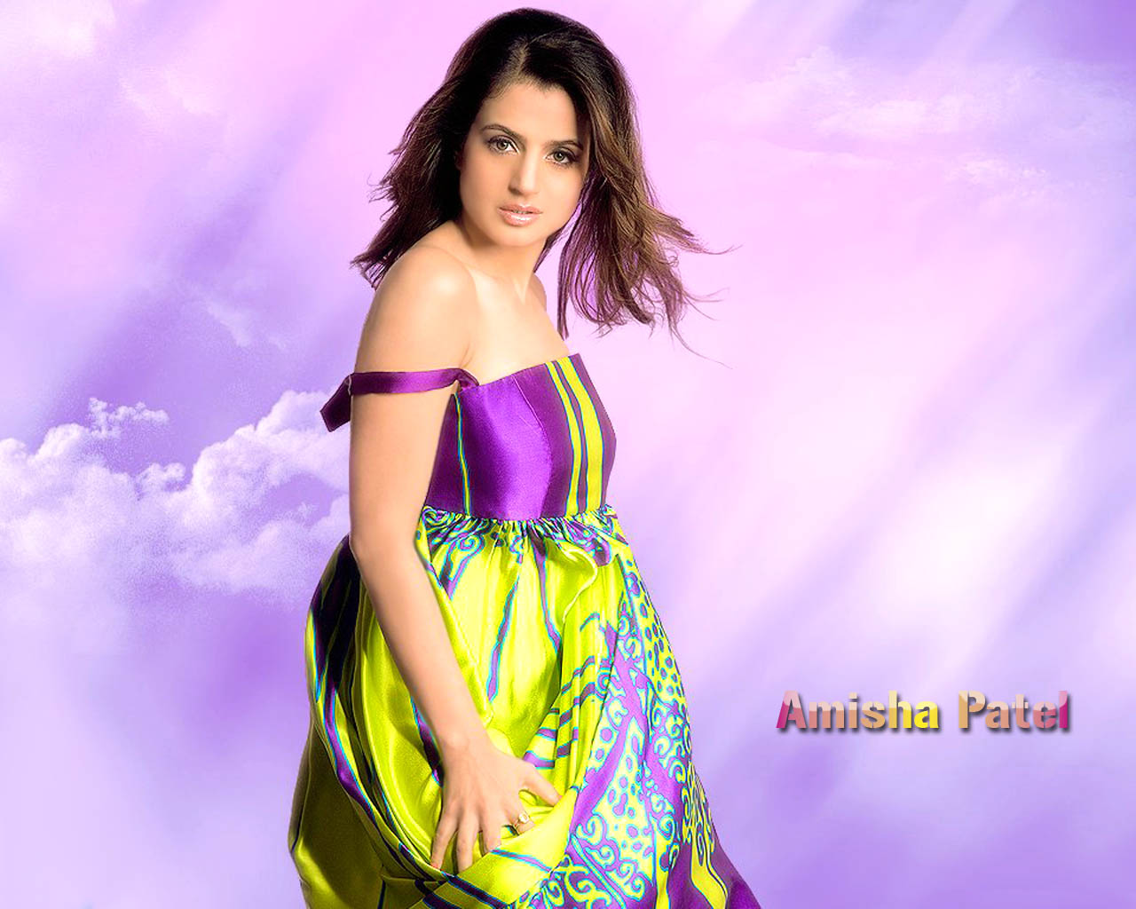 Amisha Patel Hot Pictures, Photo Gallery & Wallpapers