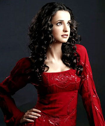 Right Now Sanaya Irani Playing A Lead Role In TV Series Iss Pyar Ko