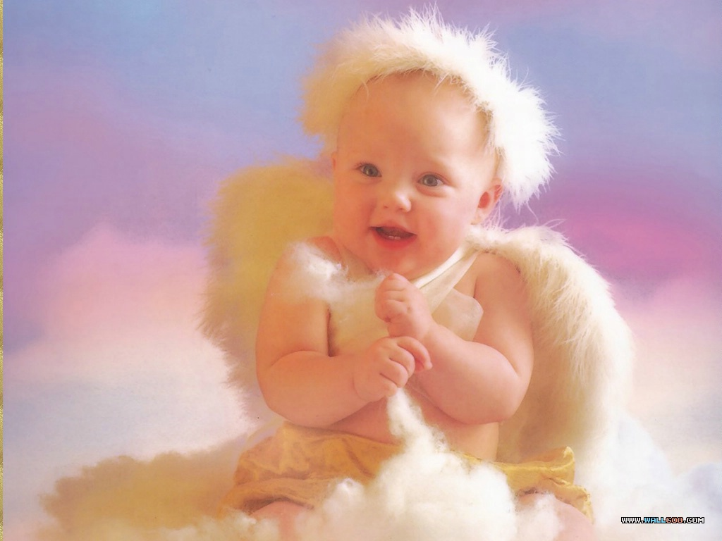 Photogallery of miracles of light: Funny baby