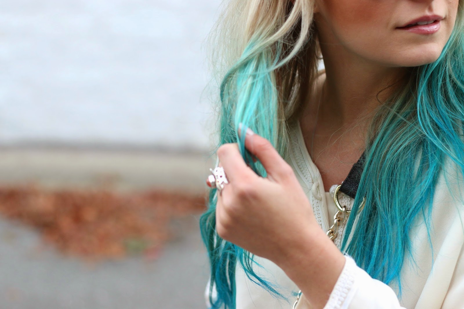 how to style blue hair