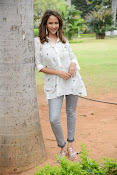 Lakshmi Manchu latest photo shoot gallery-thumbnail-17