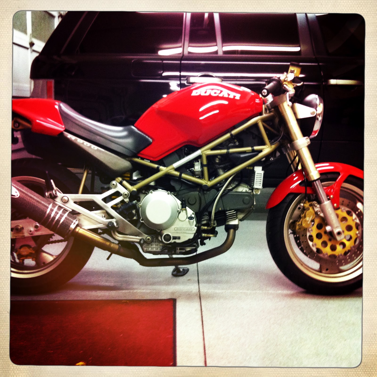 The Ducati Monster 900 Build