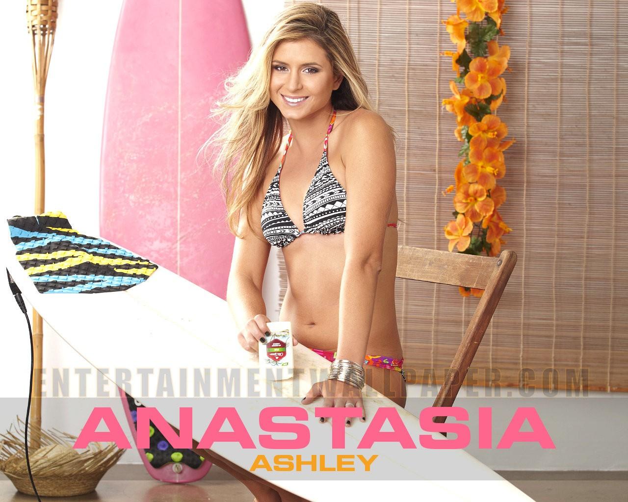 Anastasia Ashley - HD Wallpapers