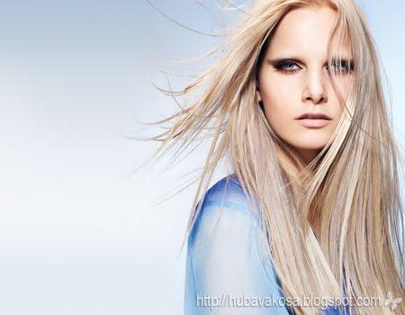 дълга руса коса с кичури