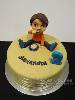 Bolo de aniversário com a Alexandre a comer a papa