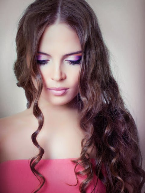 Elegant Model long curly hairstyles