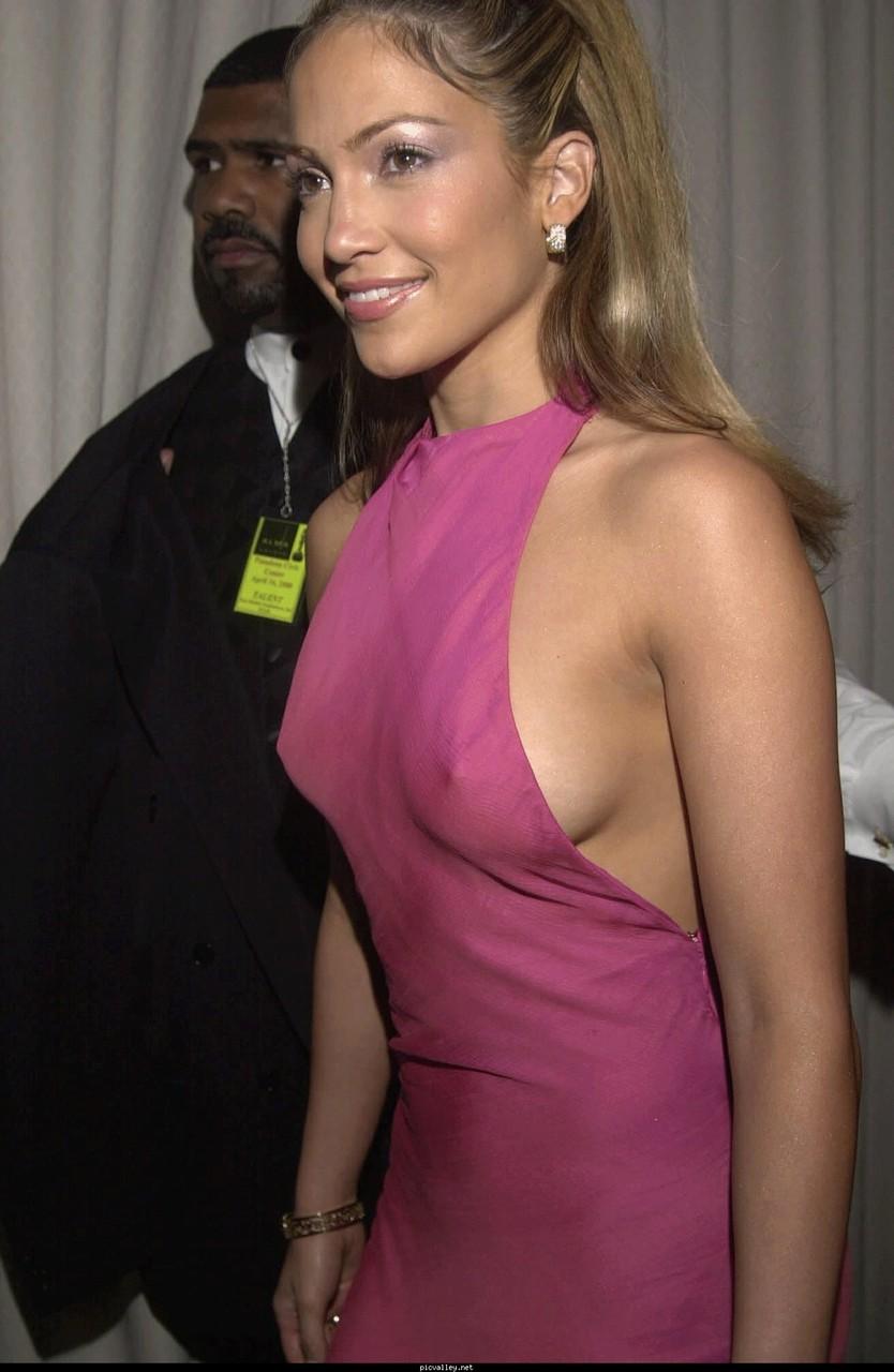 Downblouse celebrity Celebrity Nip