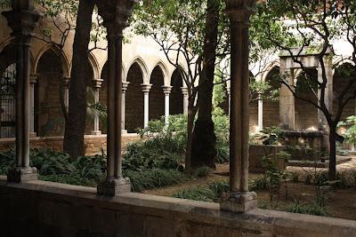 Gothic cloister in Santa Anna church