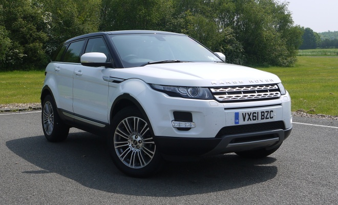 Range Rover Evoque in white