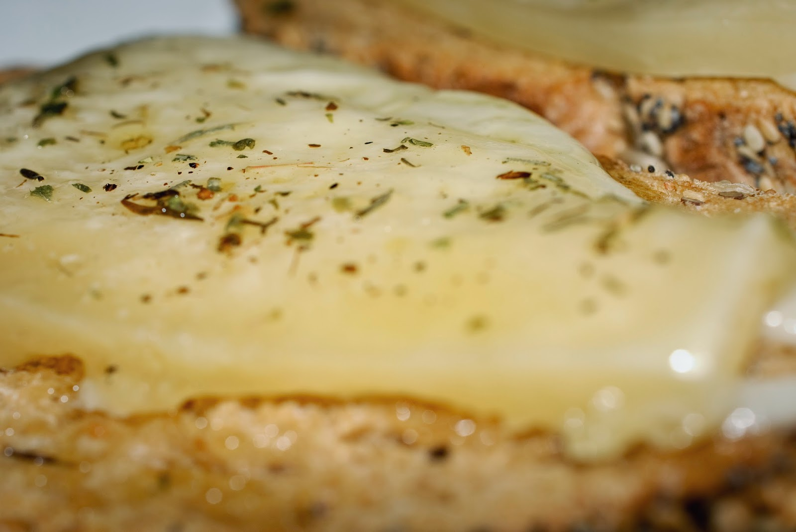 Tosta de queso a la plancha; pan-fried cheese toast