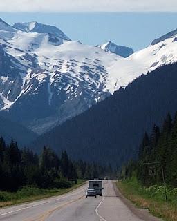 Besparen op reizen met de auto caravan of camper is erg makkelijk