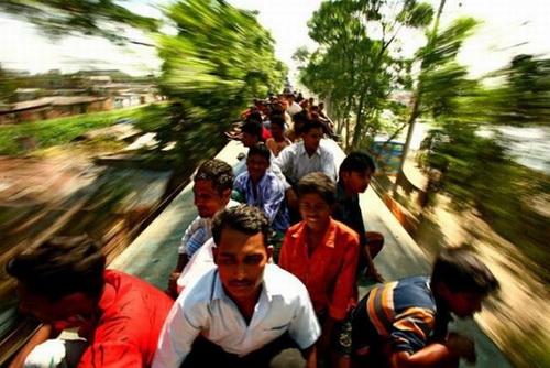 India Punyai Perkhidmatan Keretapi Tersesak di Dunia
