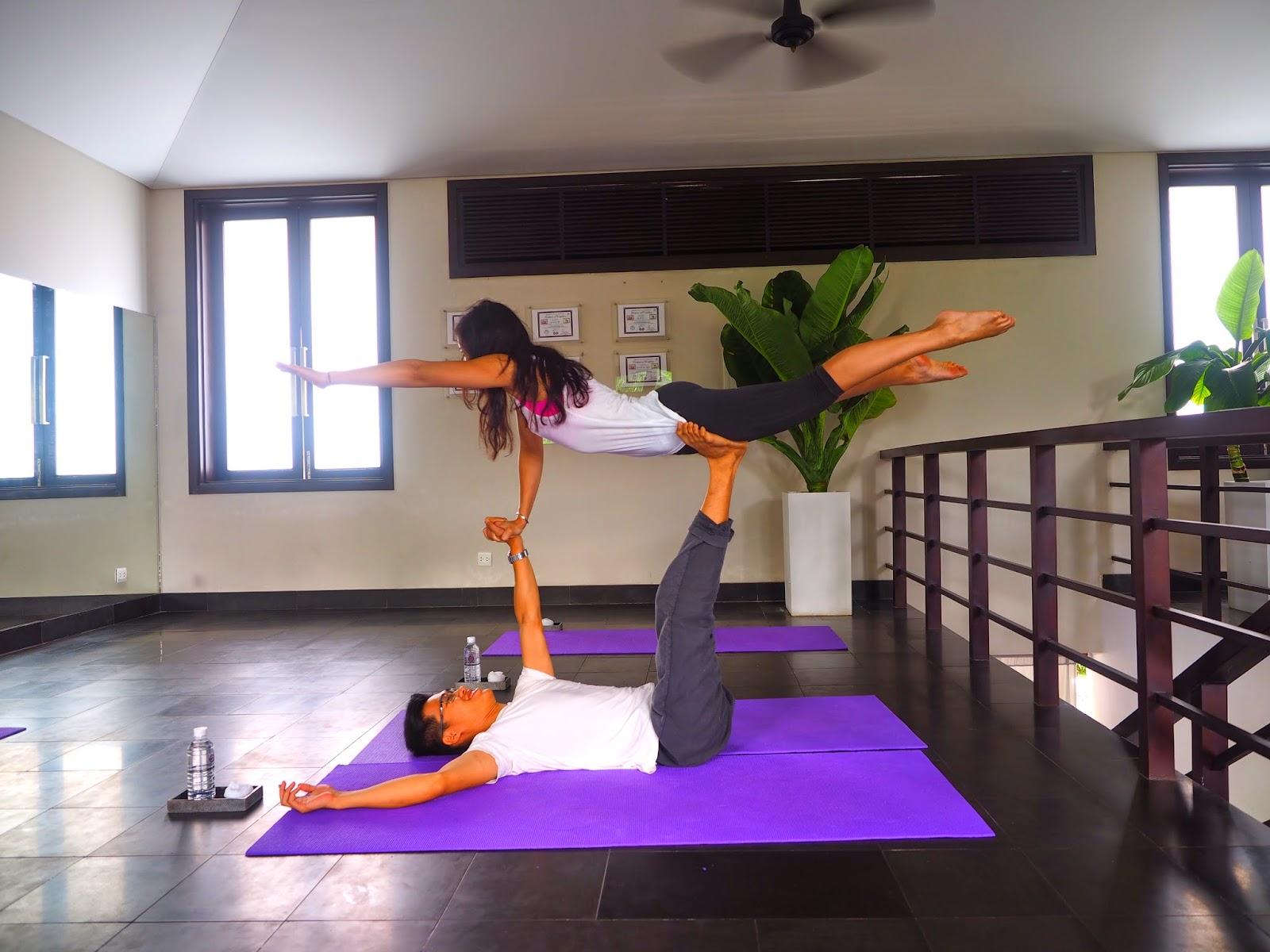Acro yoga Fusion Maia Da Nang Vietnam