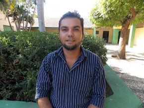 Coordenador da escola Nailson Rocha