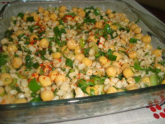 Yarmalı Nohut Salatası