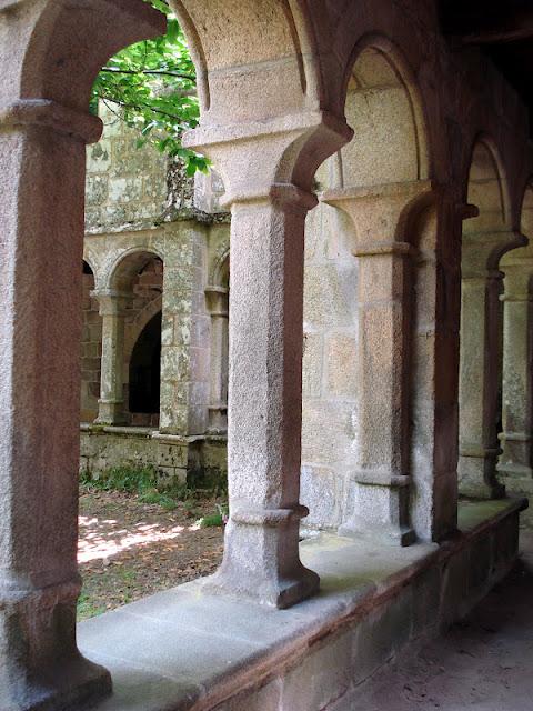 RIBEIRA SACRA: El Monasterio de Santa Cristina