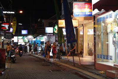 has a vibrant nightlife dissimilar Poppies Lane  Beaches in Bali: Poppies Lane ii Kuta Bali