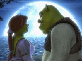 """""""O amor só é lindo, quando encontramos alguém que nos transforme no melhor que podemos ser."""""""