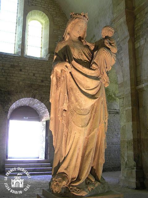MONTBARD (21) - Abbaye de Fontenay : l'abbatiale