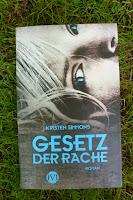 http://lenasbuecherwelt.blogspot.de/2014/06/rezension-kristin-simmons-gesetz-der.html